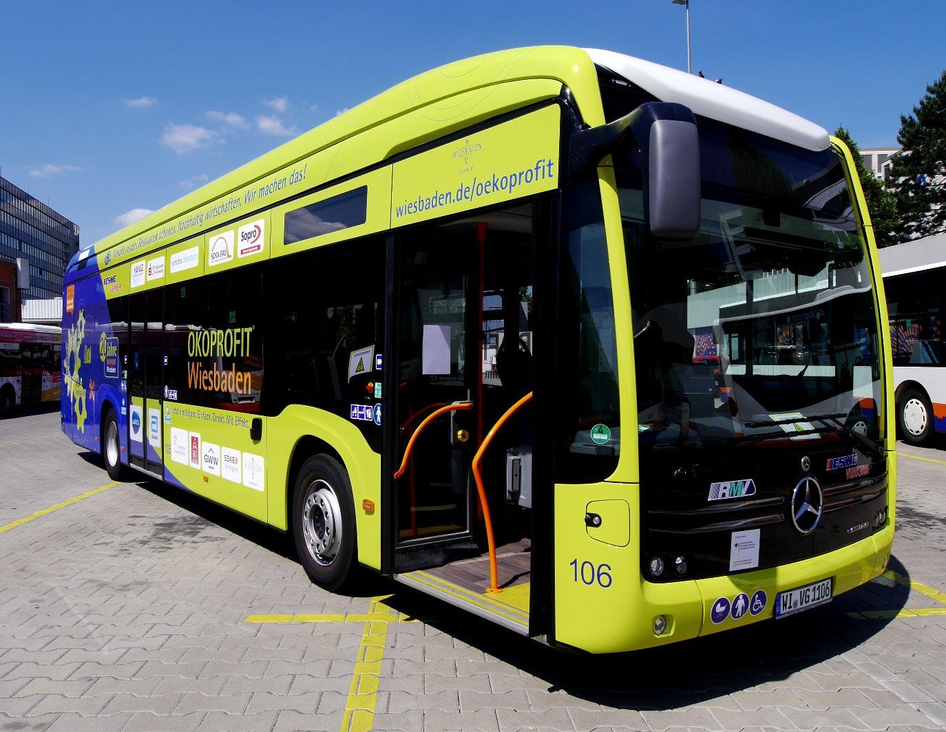 Bus-Gestaltung für ÖKOPROFIT Wiesbaden auf neuem E-Bus